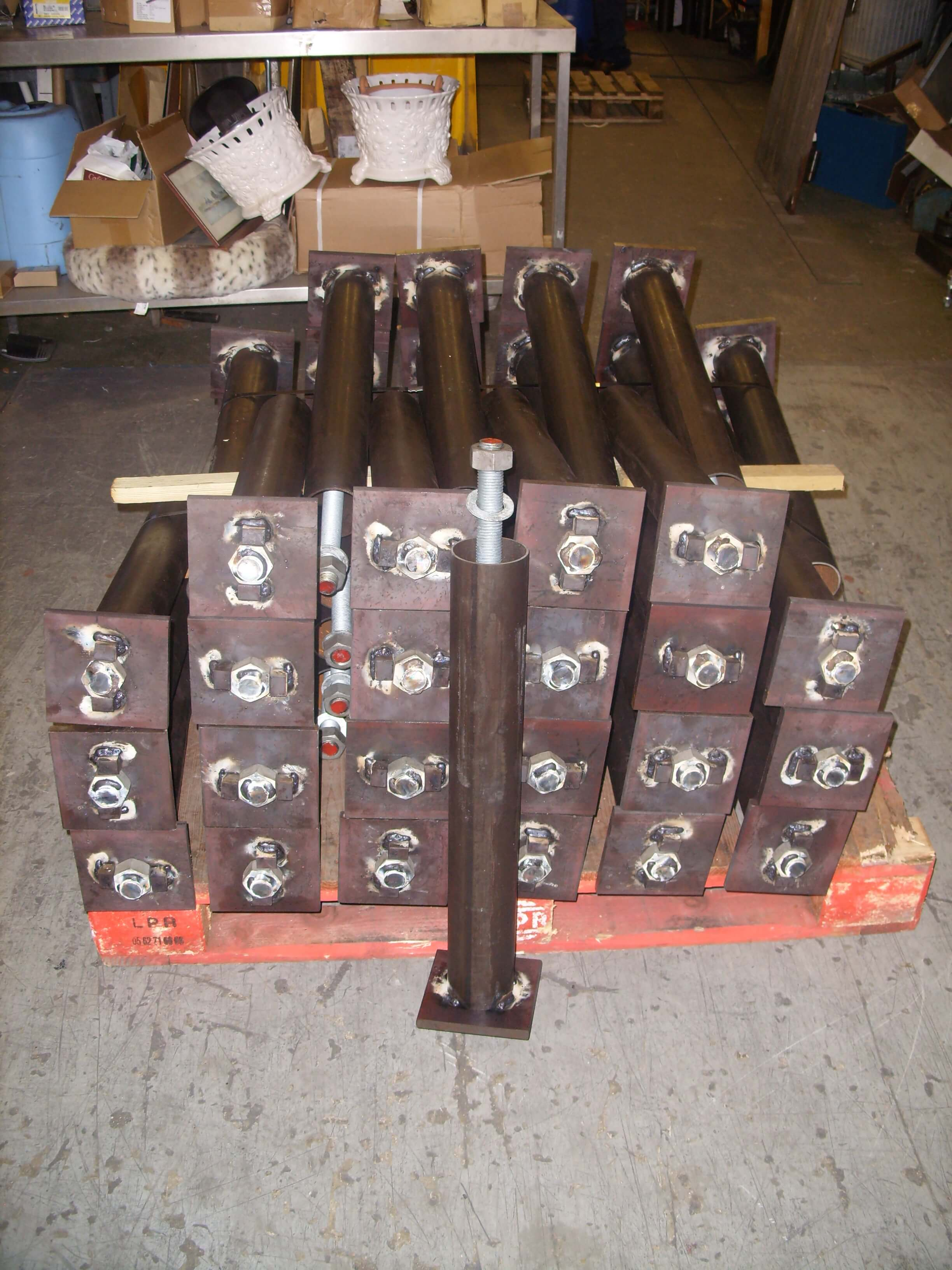 PIPE FOUNDATIONS BOLTS